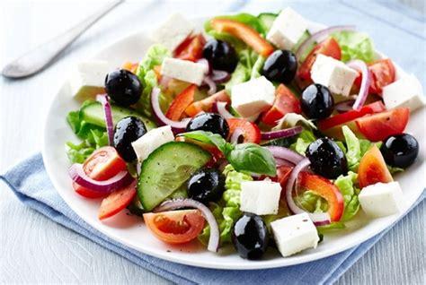 cara buat salad buah yang lezat 5 tips mudah membuat olahan salad yang lezat dan sehat