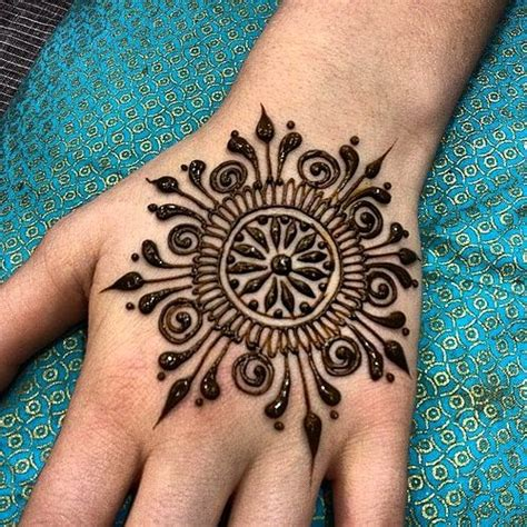 tattoo on hand round simple and elegant henna tattoo designs for hands