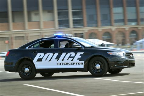 ford adds  liter   police interceptor sedan stangtv