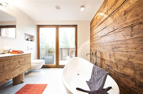 weiße kabinett badezimmer ideen design badezimmer holzboden