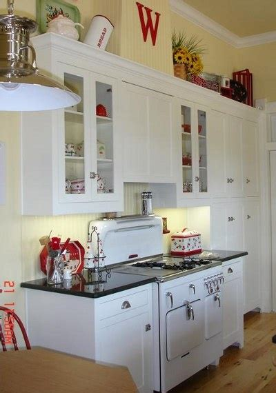 pale yellow kitchen yellow white red kitchen d 233 coration interieur pinterest