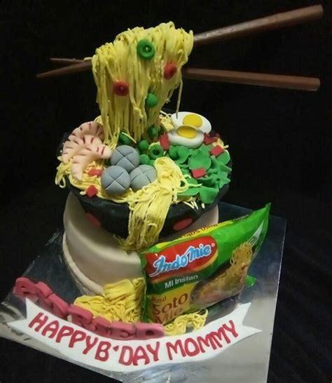 cake unik berbentuk mi gemas bikin gak tega memotongnya
