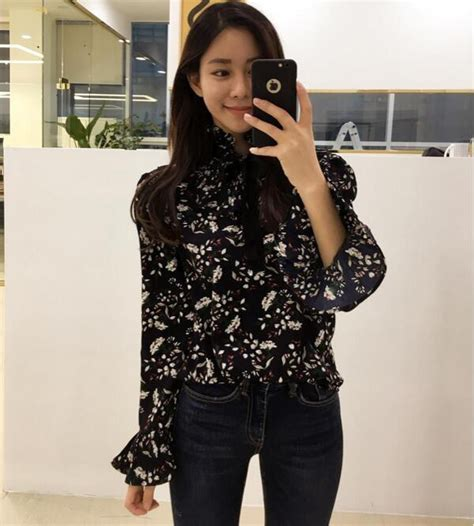 Stand Collar Floral Blouse wholesale stand collar floral blouse design cmj022121