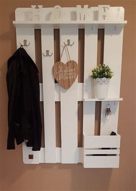 Garderobe Aus Paletten Mit Spiegel by 25 Best Ideas About Paletten Garderobe On