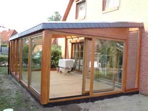 Terrassenüberdachung Aus Holz Mit Glasdach by Wintergarten
