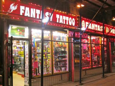 tattoo greenwich village nyc alleged stolen phone seller busted at 6th avenue tattoo