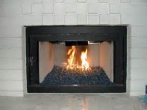 aquatic glassel place design fireplace and pit