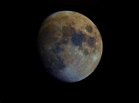what color is the moon moon