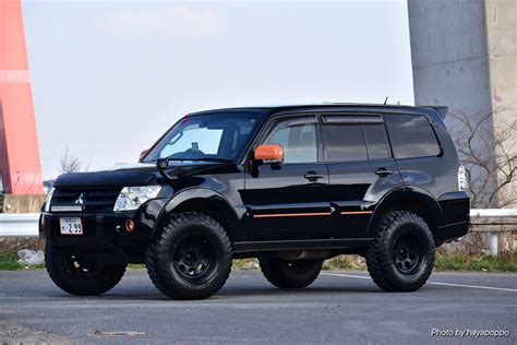 Lifted Mitsubishi Pajero On 33 Quot Offroad Wheels From