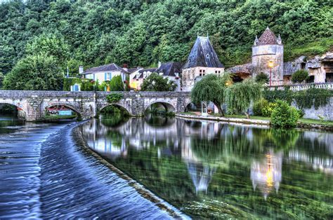 Brantôme, France   onStandby   onStandby
