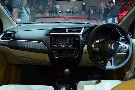 Honda New Brio Satya lebih sporty dengan honda new brio satya autoshow