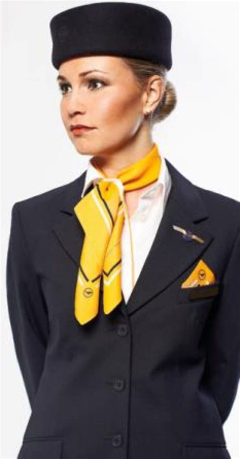 lufthansa cabin crew lufthansa flight attendants flight