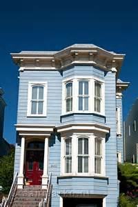 a blue house in san francisco in the usa san