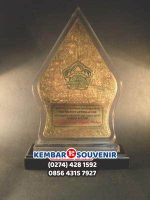 Plakat Kayu Surabaya by Plakat Surabaya Rumah Plakat Surabaya Harga Plakat Acrylic