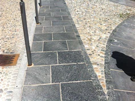 pavimento ciottoli pavimentazioni selciati strade in cubetti ciottoli e