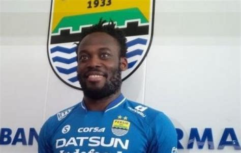 Jersey Persib Bandung Home 1617 Michael Essien persib reaps profit from selling jerseys with essien name