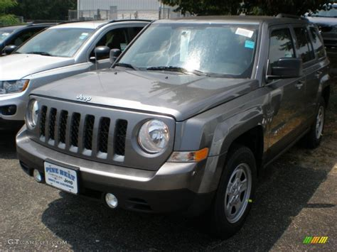 gray jeep patriot 2011 mineral gray metallic jeep patriot sport 4x4