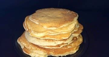 piece of our world: cinnamon banana almond butter pancakes