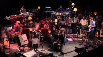 Snarky Puppy Snarky Puppy Feat Brown I Ll Do Me Family Dinner