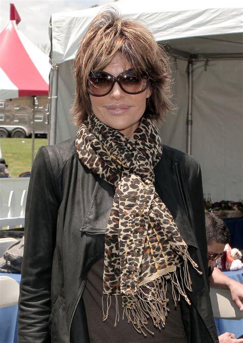 lisa rinna stylist lisa rinna patterned scarf lisa rinna looks stylebistro