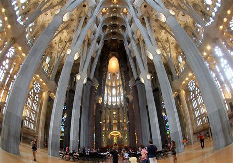 Interior Sagrada Familia by Gaudi Sagrada Familia Interior Www Pixshark Images