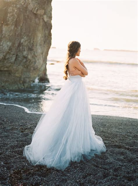 young bride dip dyes  wedding gown  add  elegant