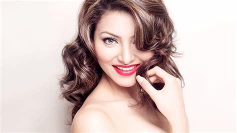 biography of urvashi rautela urvashi rautela family biography age height upcoming movies