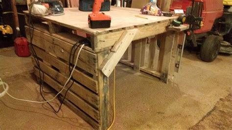 Pallet Work Table By Cedar Furniture Lodge Lumberjocks