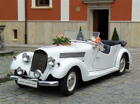 Hochzeitswagen Deko by Hochzeitsauto Blumendeko Oldtimer Gro 223 E Bildergalerie