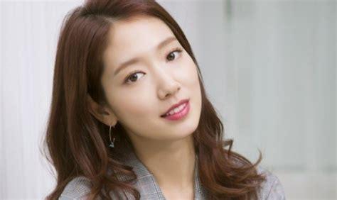 film komedi romantis park shin hye actress park shin hye talks about her dark side