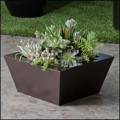 modern tapered fiberglass commercial planter 18in l x 18in