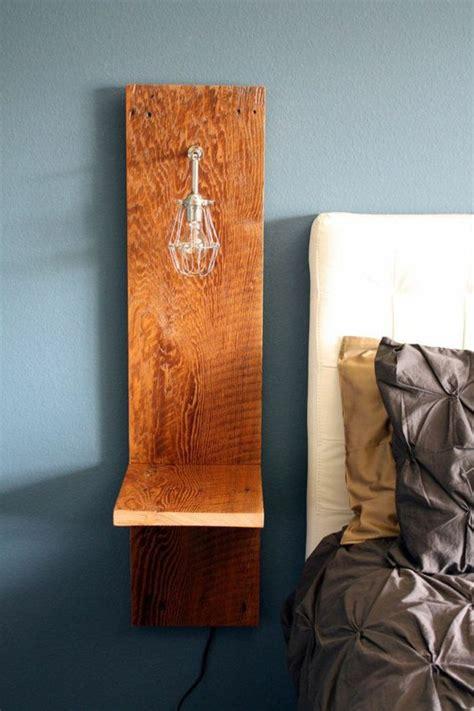 idee table de nuit installer une table de nuit suspendue pr 232 s de lit