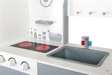 giochi con cucina con cucina gioco con frigorifero