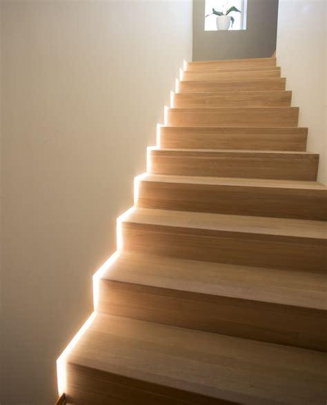 controsoffitto a led illuminazione con strisce led per controsoffitto