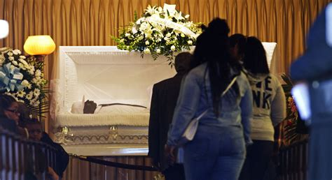 baltimore thousands expected at monday s funeral for