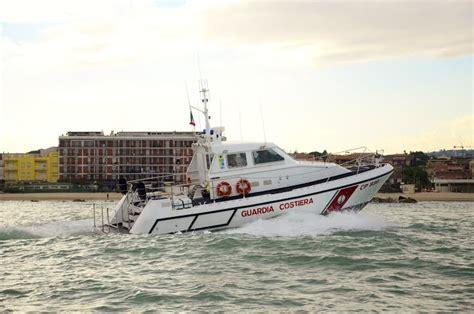 capitaneria di porto civitanova marche pesce venduto senza sapere la provenienza multe per 3mila