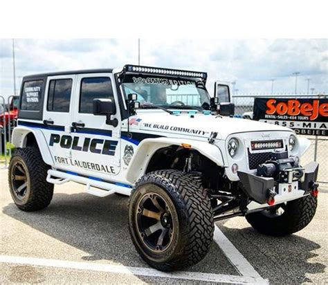 undercover police jeep police cars pinteres