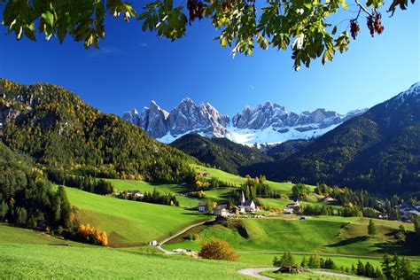 italian nature of photographs 0714859486 photos italy funes nature mountains grasslands landscape 2592x1728