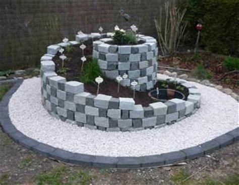 garten ideen aus stein die besten 25 steinbeet ideen auf vorgarten