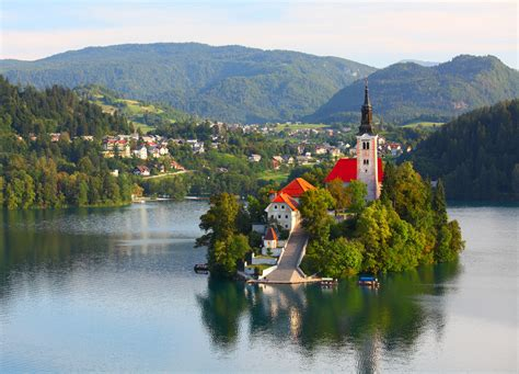 lake bled 10 tourist attractions and beautiful place must see around