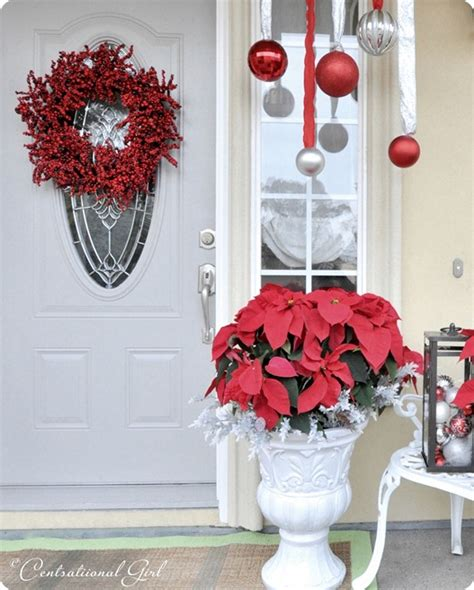 christmas decorating with poinsettias