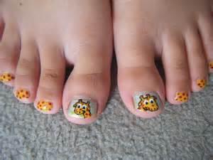 little girls giraffe nail design for my sister cool