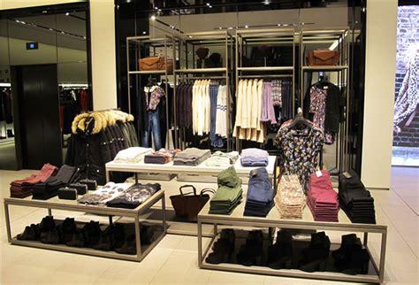 Layout De Zara | zara unveils reved manchester store