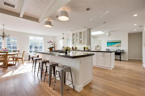 how much does it cost to stain kitchen cabinets how much