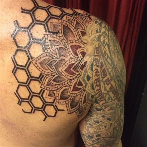 honeycomb tattoo honeycomb sacredgeometrytattoo rachelg