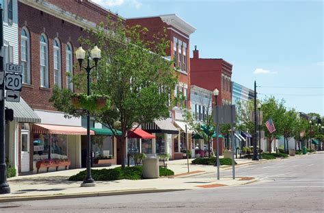 small towns in america with small populations 10 small towns with big millionaire populations