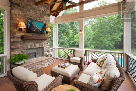 Considerations before Building Your Porch ? Furniture and