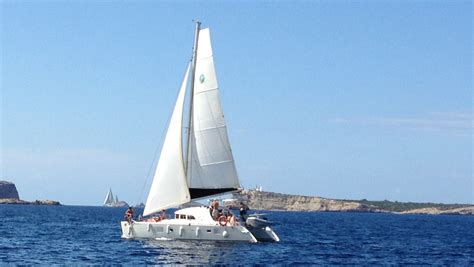 excursiones catamaran ibiza formentera alquilar catamaran ibiza lagoon 380 y superiores