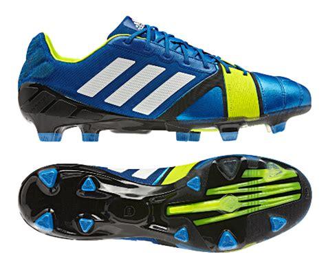 Harga Bola Sepak Proteam by Harga Sepatu Sepak Bola Adidas Terbaru 2013
