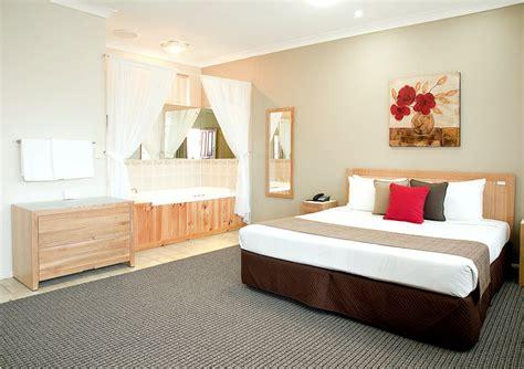 motel best deluxe spa motel room endeavour motel best